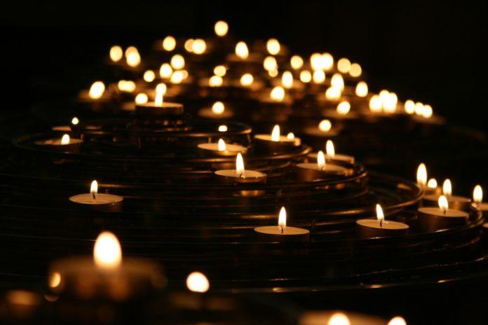 candles-unsplash-696x464.jpg